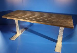 outdoor_table_0