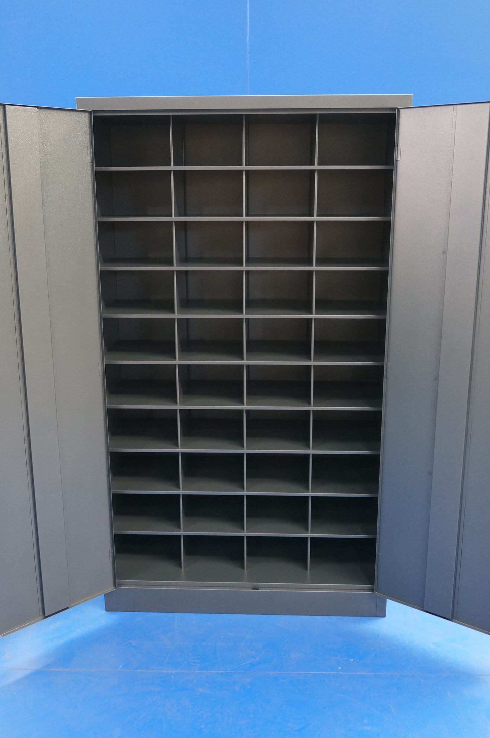 Pigeon Hole Unit With Lockable Doors State Furniture